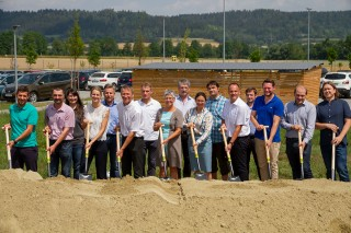 Groundbreaking by the management board and managers