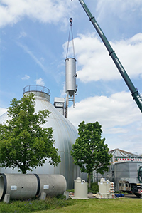 Installation of the reactor for the disintegration plant